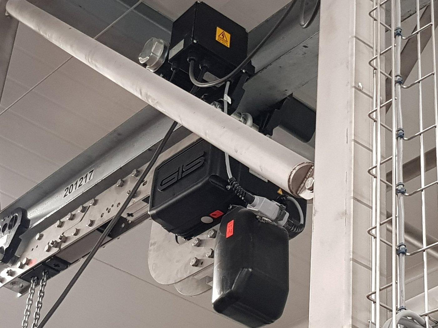Gis Stainless steel hoist